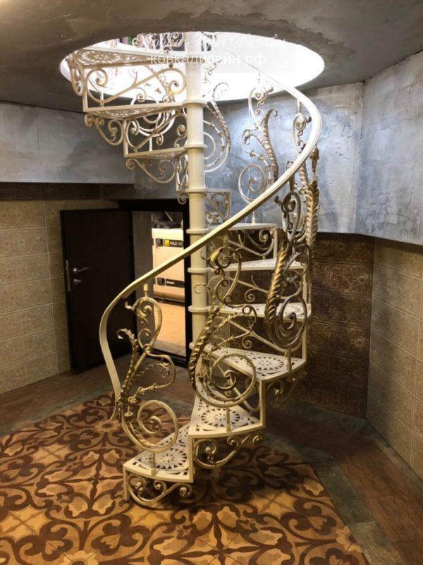 Винтовая лестница «Фигаро» ВЛ-14